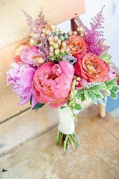 Mariage - 24 Wedding Bouquet Ideas & Inspiration (Peonies, Dahlias, Lilies)