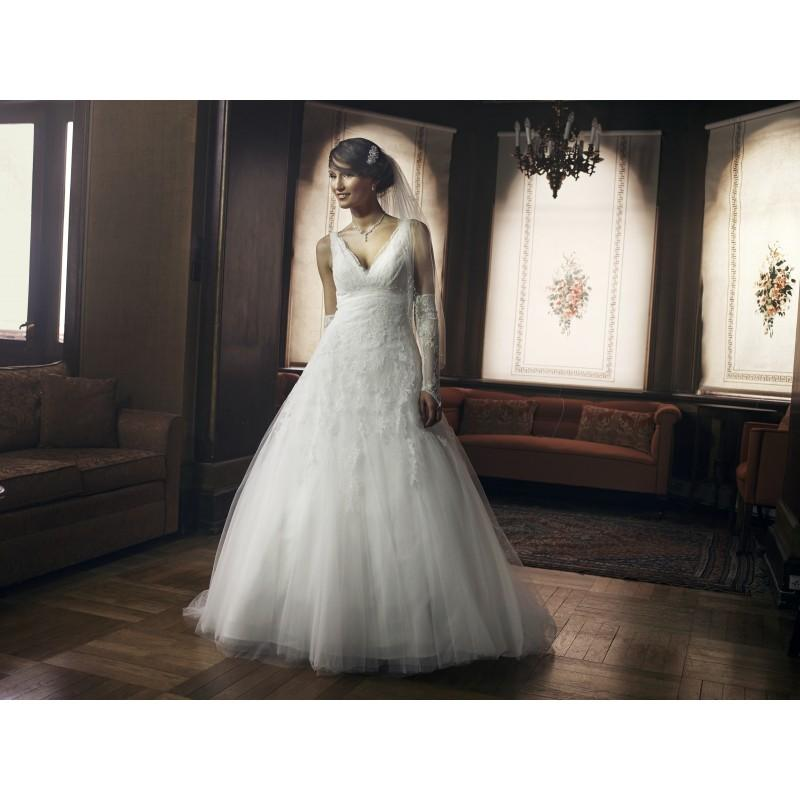 Свадьба - LILLY_08-3247-CR_V070 - Royal Bride Dress from UK - Large Bridalwear Retailer