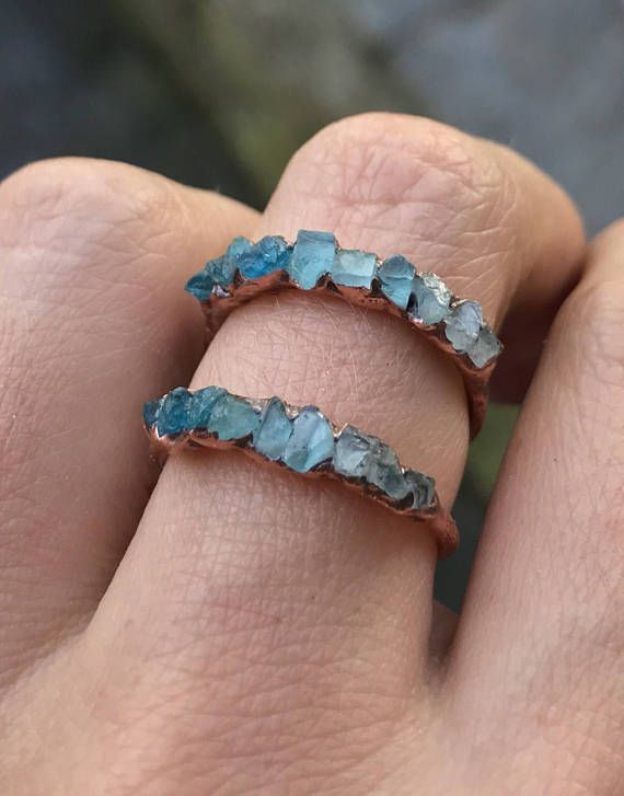 Hochzeit - Gemstone Stacking Ring / Aquamarine Ring / Apatite Ring / Blue Crystal Ring / Raw Gemstone / March Birthstone Ring / Shaded / Gift For Wife