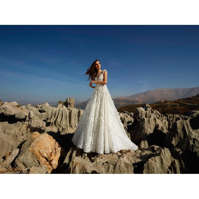 Свадьба - Tony Ward Fall/Winter 2018 Gavrielle Sweet Lace Hand-made Flowers Champagne Chapel Train Ball Gown Illusion Bridal Dress - Truer Bride - Find your dreamy wedding dress