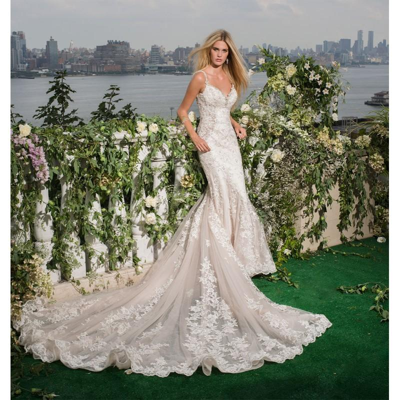 Mariage - Eve of Milady Fall/Winter 2016 Style 4349 Blush Chapel Train Elegant Fit & Flare Appliques Open Back Lace Wedding Dress - Truer Bride - Find your dreamy wedding dress