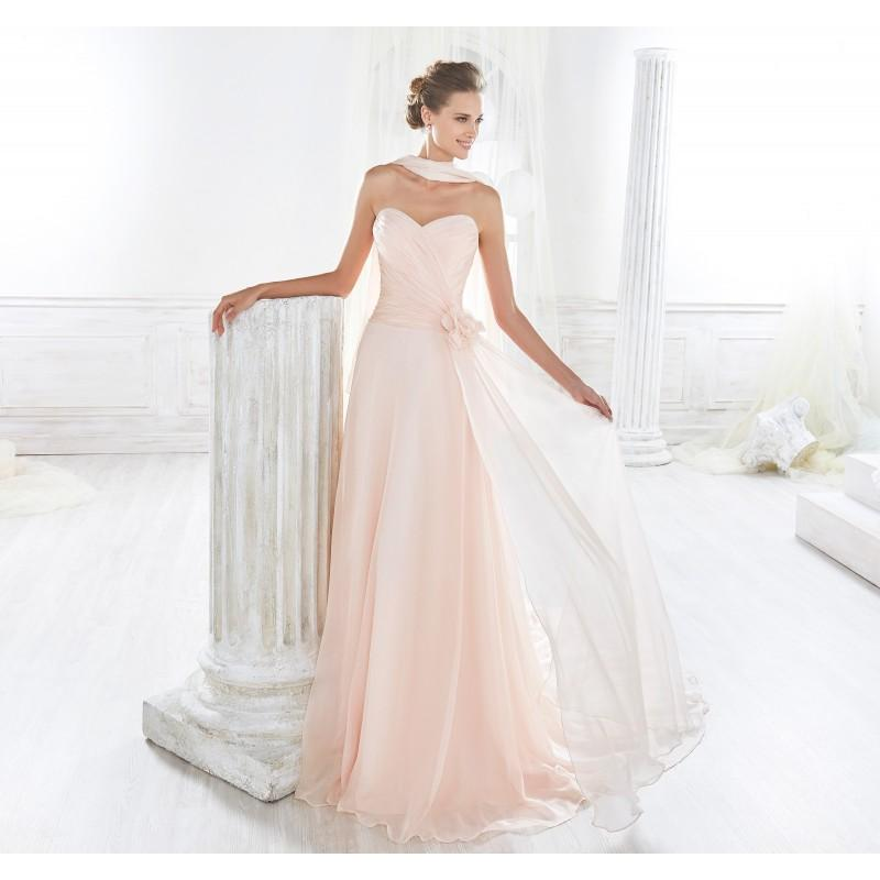 Hochzeit - Nicole 2018 NIAB18123 Simple Hand-made Flowers Covered Button Chiffon Chapel Train Blush Aline Sweetheart Bridal Dress - Royal Bride Dress from UK - Large Bridalwear Retailer