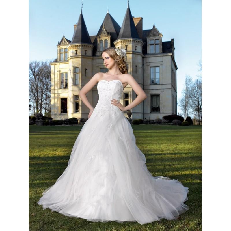 Mariage - Miss Kelly, 131-28 - Superbes robes de mariée pas cher