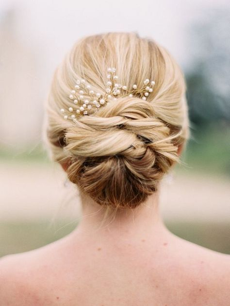 Hochzeit - 20 Long Wedding Hairstyles With Beautiful Details That WOW!