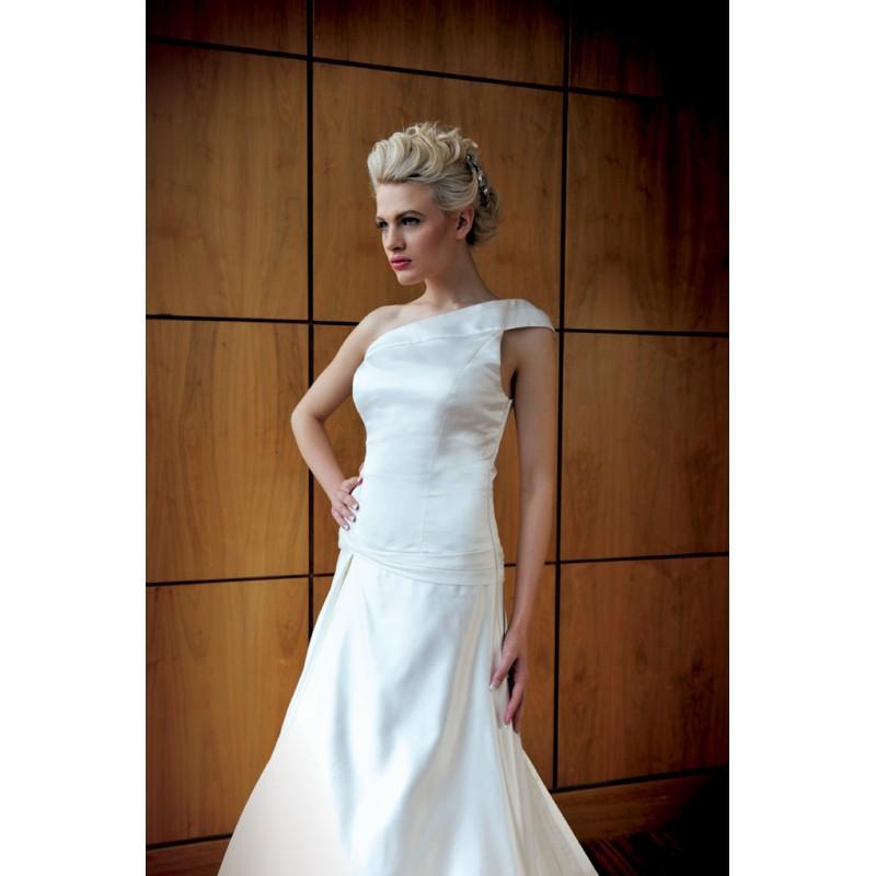 زفاف - Ivory & Co Giovanna Front - Royal Bride Dress from UK - Large Bridalwear Retailer