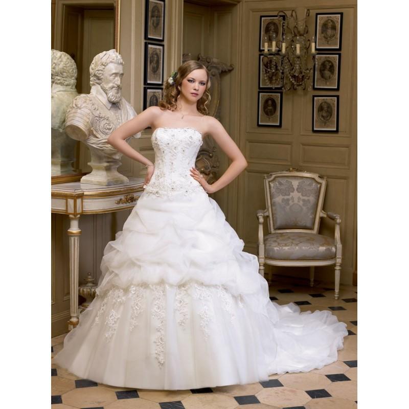 Mariage - Miss Kelly, 131-50 - Superbes robes de mariée pas cher