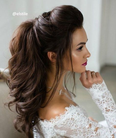 Hochzeit - 10 Beautiful Wedding Hairstyles For Brides - Femininity Bridal Hairstyle Ideas