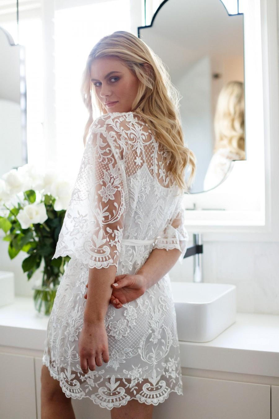 Hochzeit - Lace Bridal Robe // Bridesmaid Robes // Robe // Bridal Robe // Bride Robe // Bridal Party Robes // Bridesmaid Gifts / Celeste