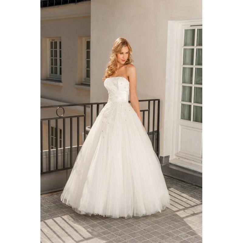 Mariage - Aurye Mariages, Martine - Superbes robes de mariée pas cher