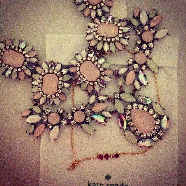 Mariage - Flower Neckpiece