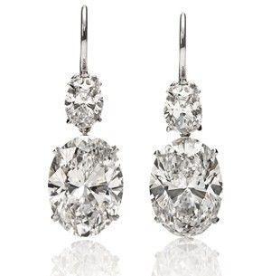 زفاف - Oval Shaped Diamonds Have Always Been My Favorite. An Often Over Looked Shape, They Look Great Together In Different Sizes.