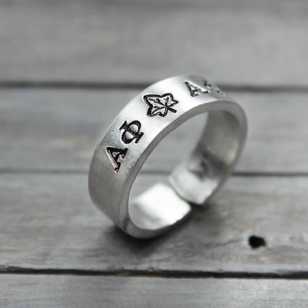 Hochzeit - Alpha Phi Ivy Ring