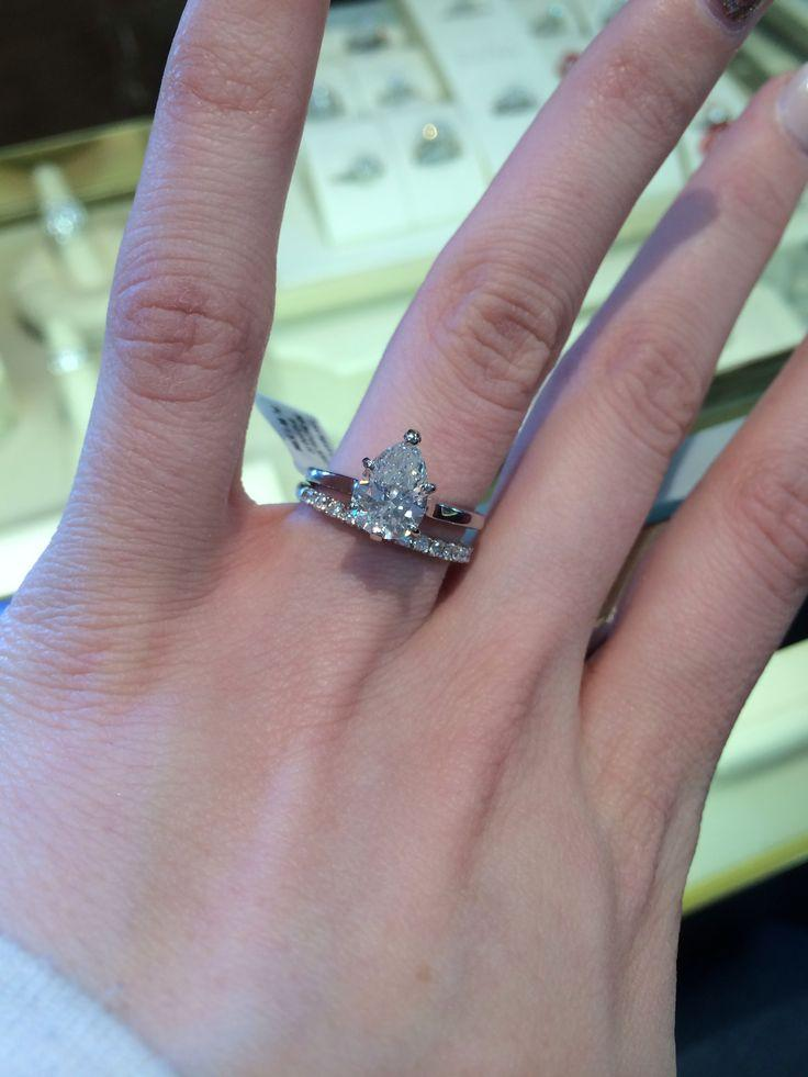 Mariage - Almost Exactly What I Want In A Wedding Set. Plain Band On The Engagement Ring, Diamond Wedding Band.