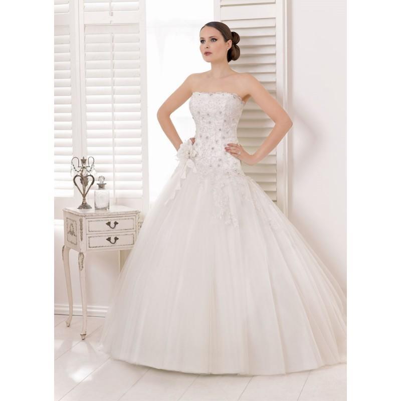 Wedding - Divina Sposa, 132-36 - Superbes robes de mariée pas cher