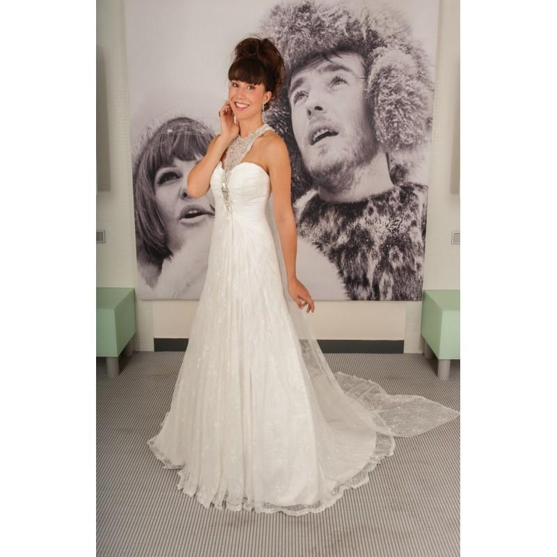 Wedding - Anita Jakobson, Nashville - Superbes robes de mariée pas cher