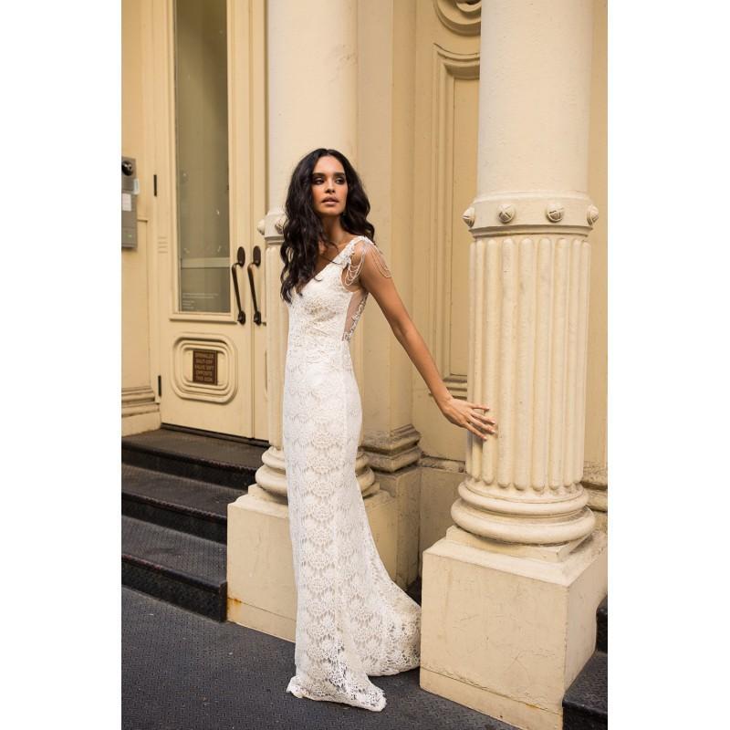 Hochzeit - Anna Campbell Fall/Winter 2018 Saasha (Embellished) Elegant Sweep Train V-Neck Column Cap Sleeves Beading Lace Bridal Dress - Rich Your Wedding Day