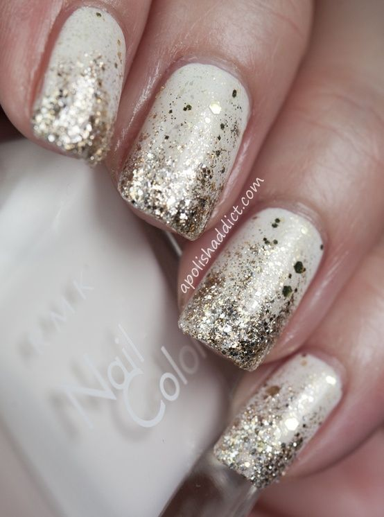 Hochzeit - All That Glitters: Gold Nail Designs We Love