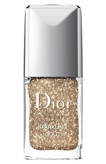 Hochzeit - Definitely Will Look Good On My Nails, Especially All Those Christmas Dinners And Parties.  Dior 'Sparkling Nail Powders' Set …