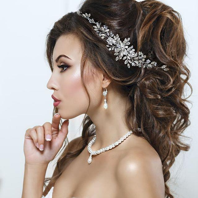 Mariage - You Won't Have To Worry, The Accessory Will Be Firmly Fastened To Your Hair And You Will Forget About It Until…