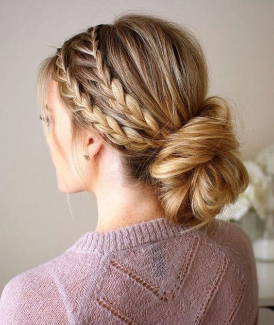 زفاف - 25 Chic Bridesmaid Hairstyles For Long Hair