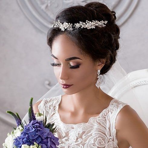 Mariage - ⠀✽Would You Like To Add A Gentle Touch Of Radiant Flowers To Your Hairdo? Consider Getting The Dazzling DORCIA Bridal Headpiece On A…