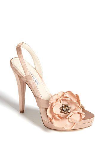 Свадьба - Vera Wang Lavender 'Savy' Sandal #wedding