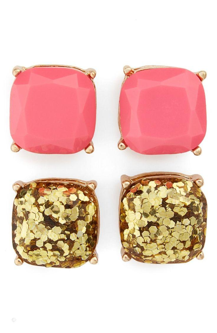 Wedding - Shiny Faceted Stones In Pink And Gold Glitter Give Any Look A Touch Of Glow In A Classic Four-prong Setting.