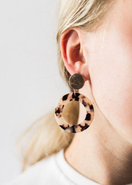 Свадьба - Etsy Gold And Round Tortoiseshell Acrylic Earrings