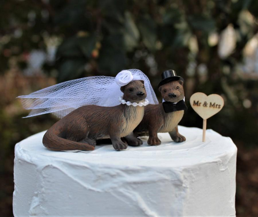 Mariage - River Otter Wedding Cake Topper, Bride-Groom-Animal-Wooden Raft-Water-Wildlife-