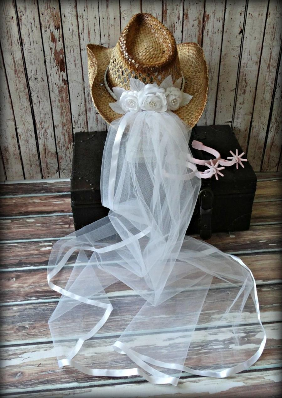 Mariage - White-western-bridal-wedding-cowgirl-hat-cowboy-western wedding-cake topper-boots-bachelorette-party-boots-bride-country-hat and veil-formal