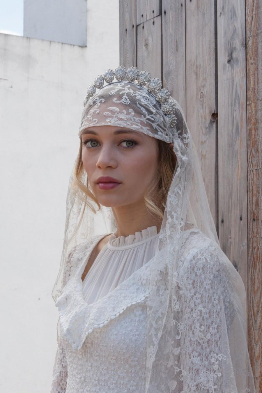 زفاف - Antique Wedding veil - Vintage lace veil - Bohemian headpiece -Dramatic Headpiece  and veil - Agnes Hart UK
