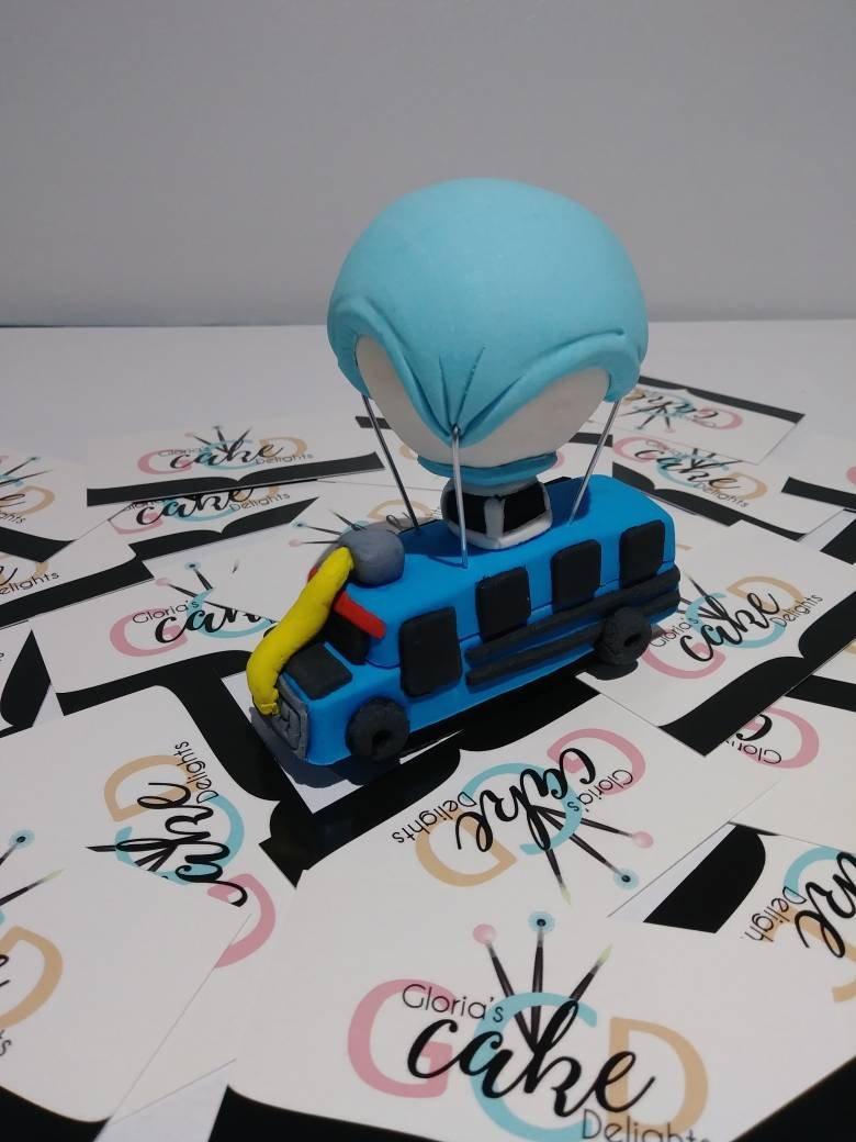 Wedding - Fortnite battle bus cake topper