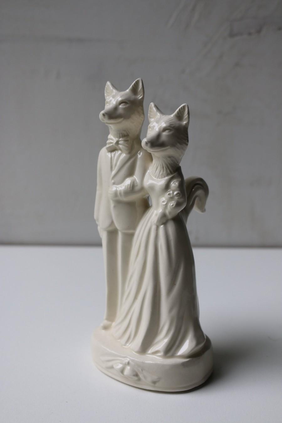 Wedding - Fox Couple Wedding Cake Topper