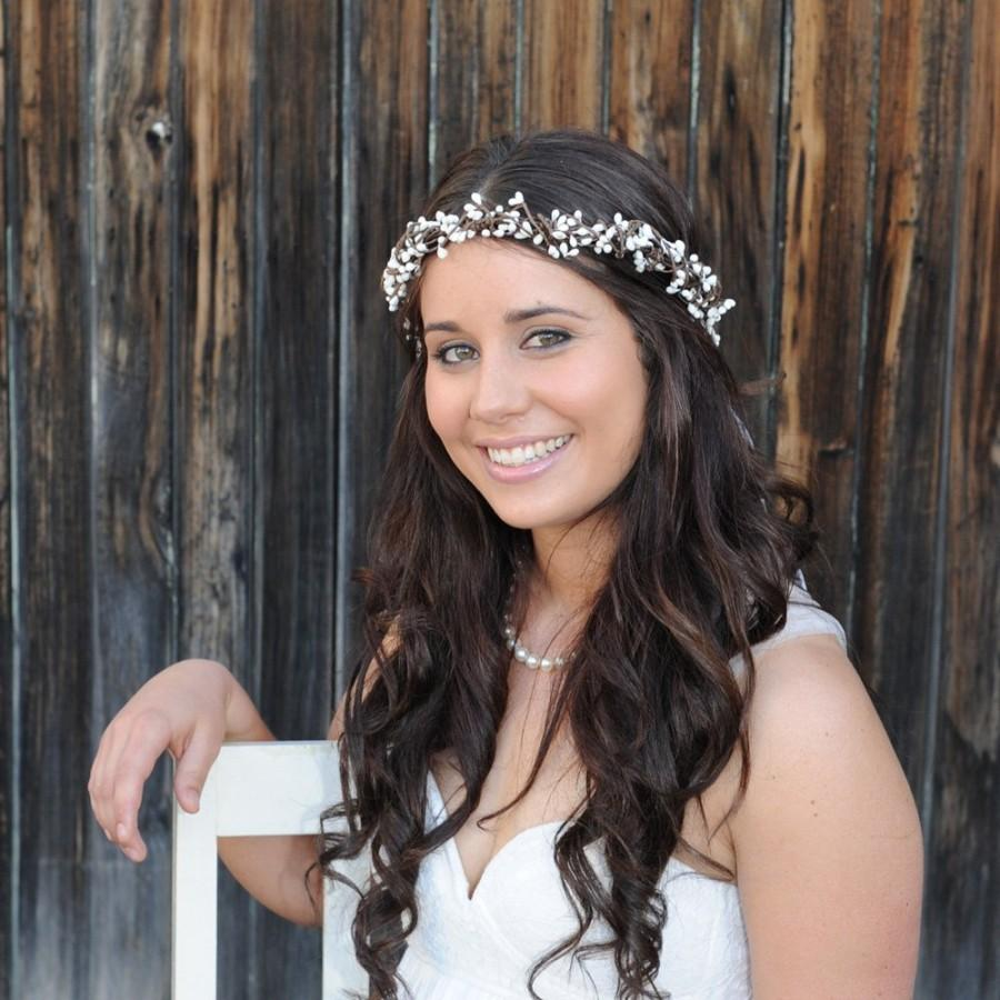 Mariage - Rustic woodland wedding crown, White berry hair piece, Bohemian floral head wreath, Bridal vine headpiece, Simple headband halo, Boho bride