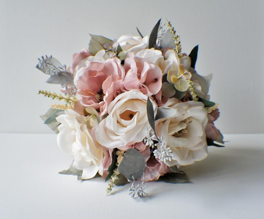 Mariage - Wedding Bouquet, Roses Bridal Bouquet, Silk Wedding Flowers, Cream Roses Wedding Flowers, Vintage Wedding, Shabby Chic, Bridesmaids Bouquet