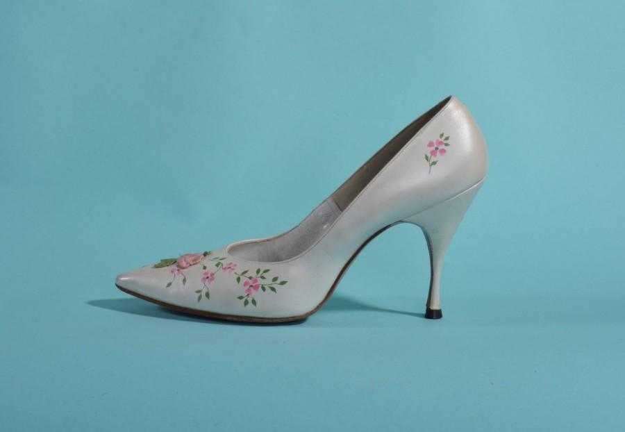 Vintage 1960s white wedding shoes pink flower applique henry