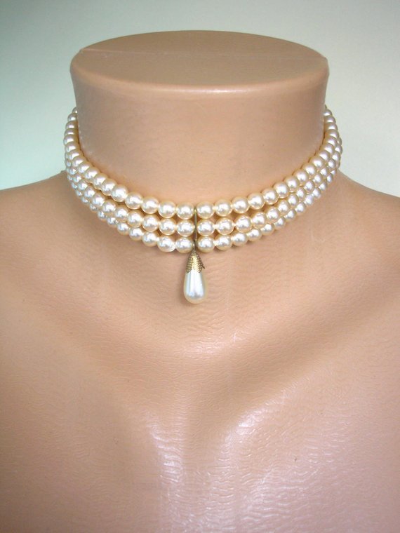 Hochzeit - Vintage Pearl Choker, Vintage Sphinx Pearls, 3 Strand, Pearl Drop, Pearl Necklace, Bridal Pearls, Vintage Wedding, Pearl Drop Choker