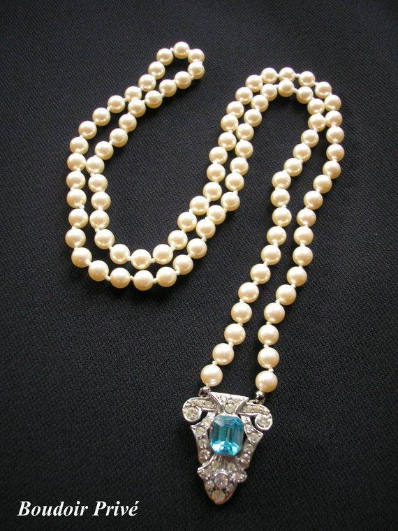 Hochzeit - Art Deco Long Pearl Necklace, Backdrop Necklace, Great Gatsby, Flapper Pearls, Upcycled, Turquoise, Teal, Blue Jewelry, Rhinestone Necklace
