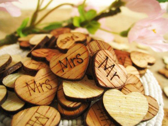 Hochzeit - 100pcs Mr Mrs 15mm Engraved Wooden Hearts Rustic Wedding Party Table Confetti Reception Decoration Bridal Shower Favor Stuffers