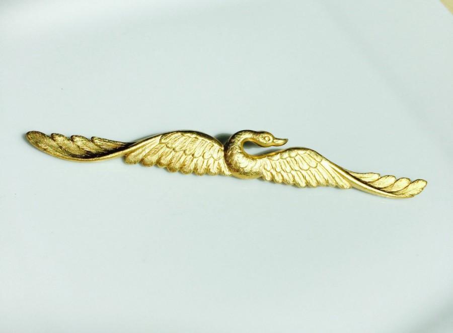 Свадьба - Gold Swan Hair Pin Stunning Bobby Pin Elegant Brass Barrette Wedding Gift Boho Vintage Tress Temptress