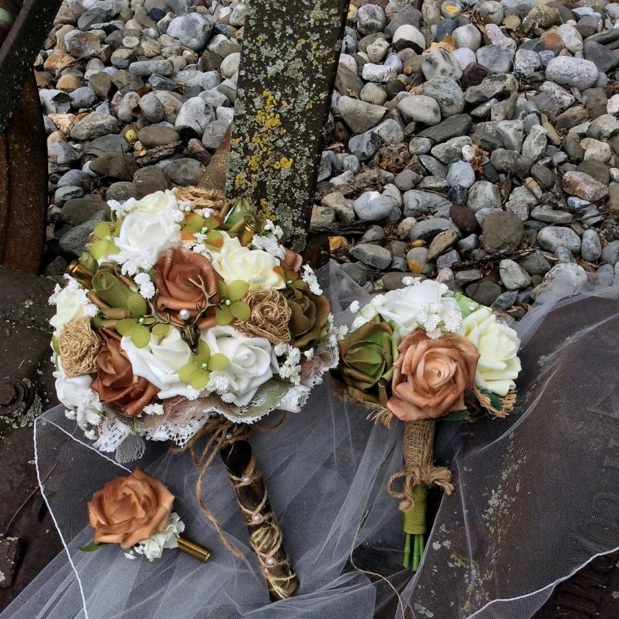 Hochzeit - Rustic Country WEDDING SET-Rustic Wedding-3 piece set-Camo-Wedding set-Bridal Flowers-Bride's Wedding Bouquet-Bridesmaid-Flower Bouquet Set