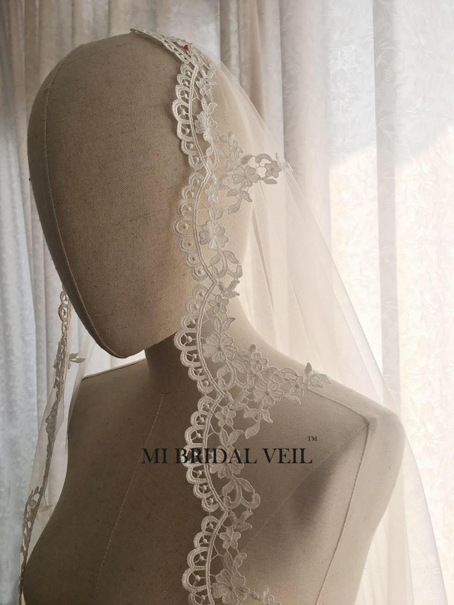 زفاف - Mantilla Lace Wedding Veil, Crochet Rose Lace Veil, Venice Lace Veil, Mantilla Wedding Veil in Hip Length, Custom Veil from MI BRIDAL VEIL