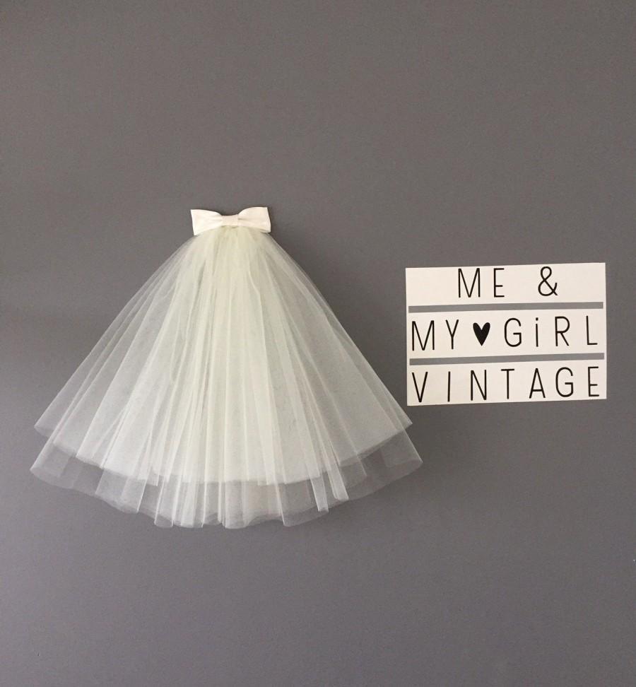 زفاف - Bouffant 60s style veil