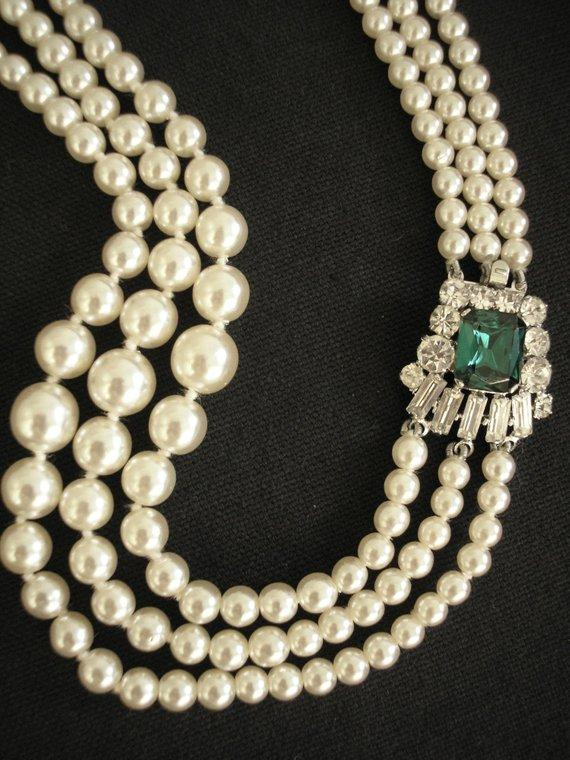Hochzeit - Vintage Pearl And Emerald Necklace, Bridal Statement Necklace, 3 Strand Pearls, Ivory Pearl Necklace, Great Gatsby Jewelry, Art Deco Wedding