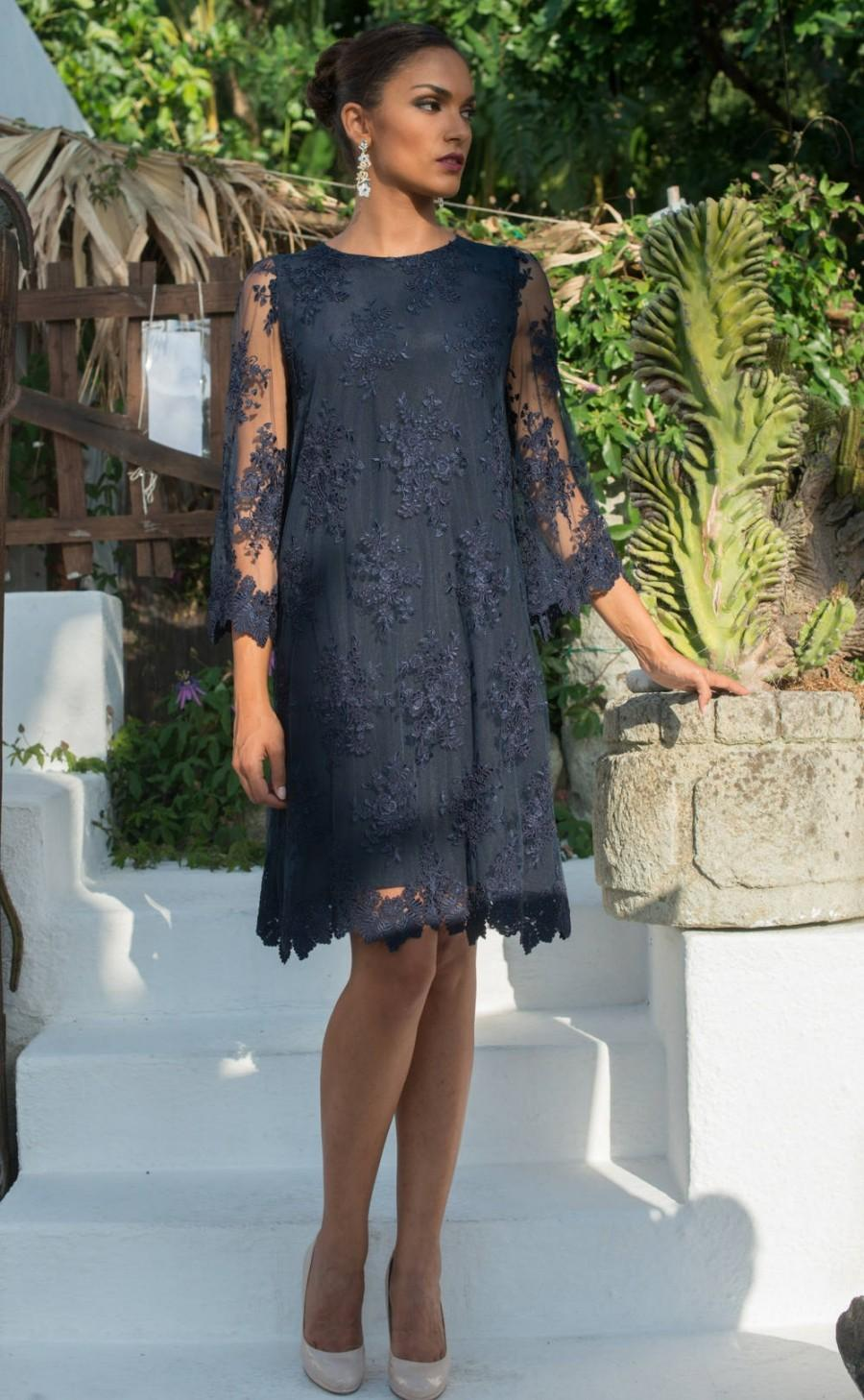 Mariage - Stylish blue navy dress with floral pattern lace and with 100% silk lining, three-quarter sleeve.