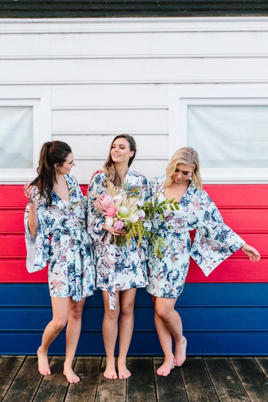 Wedding - Kimono Robe // Bridesmaid Robes // Bridal Robe // Bride Robe // Bridal Party Robes // Bridesmaid Gift // Robe // Floral Robes