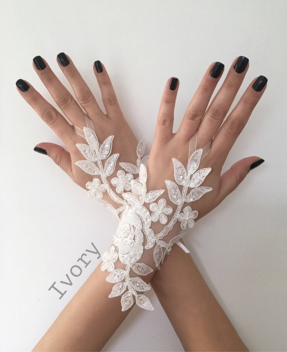 Hochzeit - Ivory or white Wedding Gloves, Bridal Gloves, lace gloves, Handmade gloves, bride glove bridal gloves lace gloves fingerless gloves