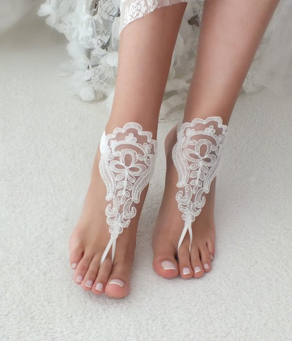 Mariage - Beach wedding barefoot sandals accesories lace sandals, ivory Barefoot , french lace sandals, wedding anklet, beach shoes, bridal sandals