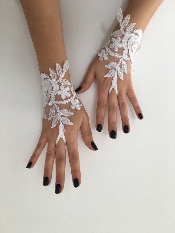 Bridal Gloves bride glove bridal gloves lace gloves fingerless gloves Ivory or white Wedding Gloves Handmade gloves lace gloves