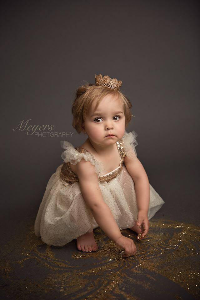 Hochzeit - Gold Flower Girl Dress, Champagne Flower Girl Dress, Tutu Birthday Outfit, Flower Girl Tutu Dress..Cream, Gold Rustic Lace Dress